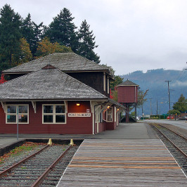 Editor's Note April 29, 2015: Building Permit Issued for Renovation of Comox Valley Curling Club